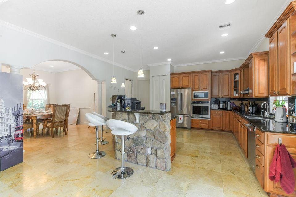 7075 Pioneer Lakes Circle West Palm Beach, FL 33413 small photo 11