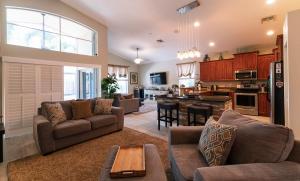 9613  Verona Lakes Boulevard  For Sale 10621833, FL