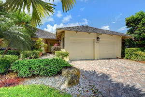 19389  Waters Reach Trail 1104 For Sale 10621954, FL