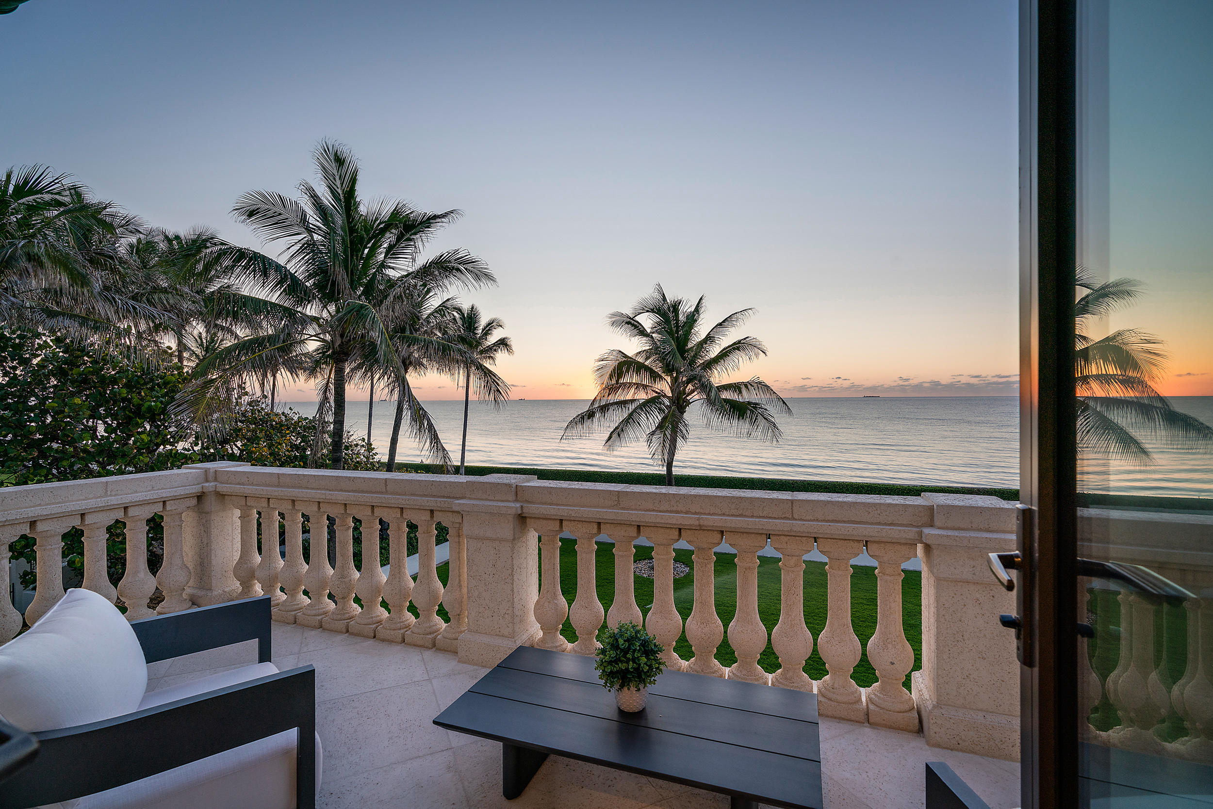 680 Ocean Boulevard, Palm Beach, Florida 33480, 6 Bedrooms Bedrooms, ,8 BathroomsBathrooms,Residential,for Sale,Ocean,RX-10622208, , , ,for Sale