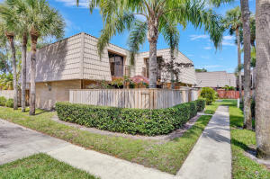 5734  57th Way  For Sale 10622589, FL