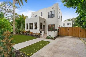 438  36th Street  For Sale 10622478, FL