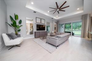 12542  Crested Butte Avenue  For Sale 10622650, FL
