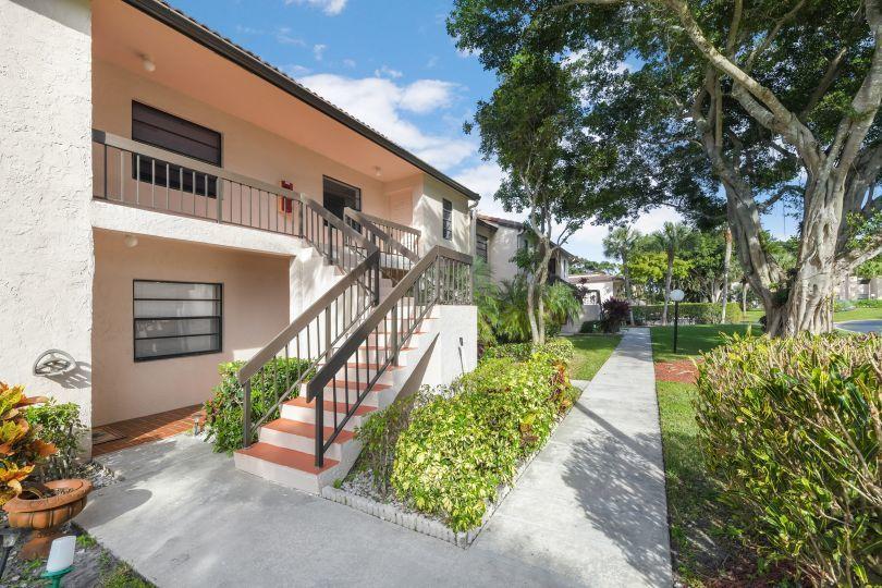 21459 Juego Circle 30f Boca Raton, FL 33433 photo 2