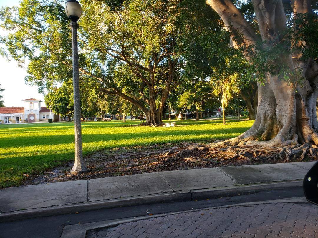 1110 Oak Street West Palm Beach, FL 33405 photo 6