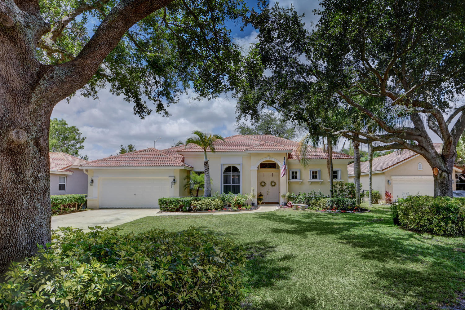 Photo of 426 Oriole Circle, Jupiter, FL 33458