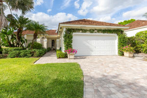 2466  Muir Circle  For Sale 10622906, FL