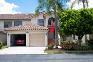 10039  53rd Way 2304 For Sale 10623140, FL