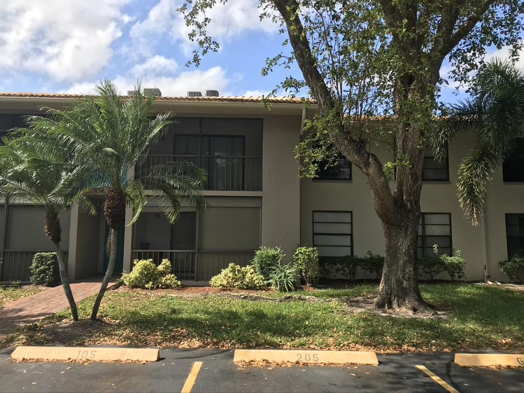 9815 Pineapple Tree Drive 105 Boynton Beach, FL 33436