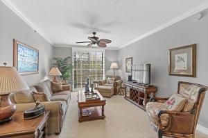 780 S Sapodilla Avenue 407 For Sale 10623195, FL