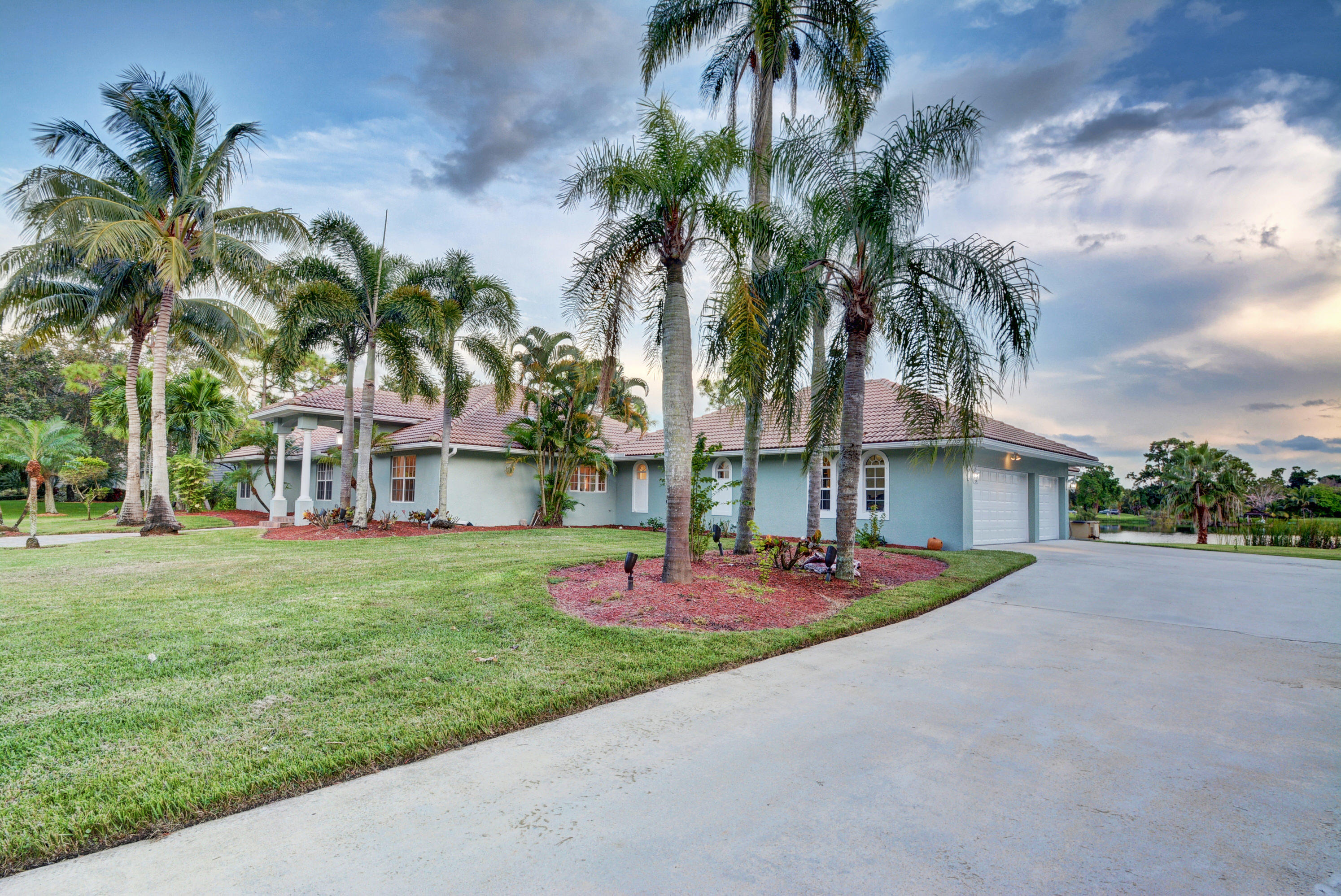 8902 E Estate Drive Wellington, FL 33411 photo 14