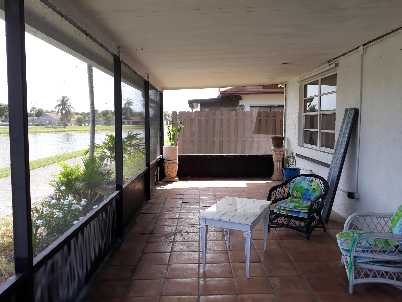 5278 Garden Hills Circle West Palm Beach, FL 33415 photo 8