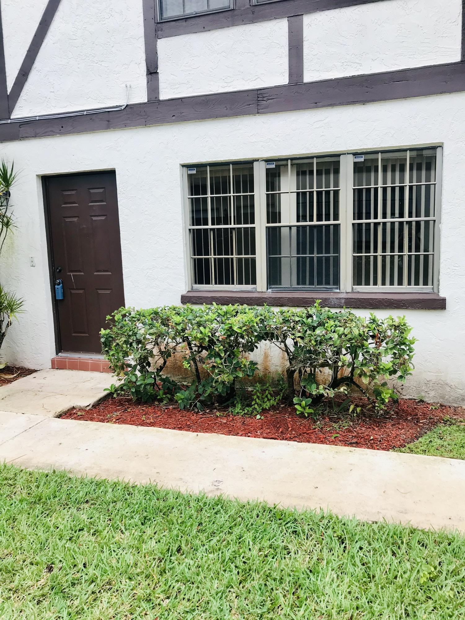 128 Weybridge Circle D Royal Palm Beach, FL 33411