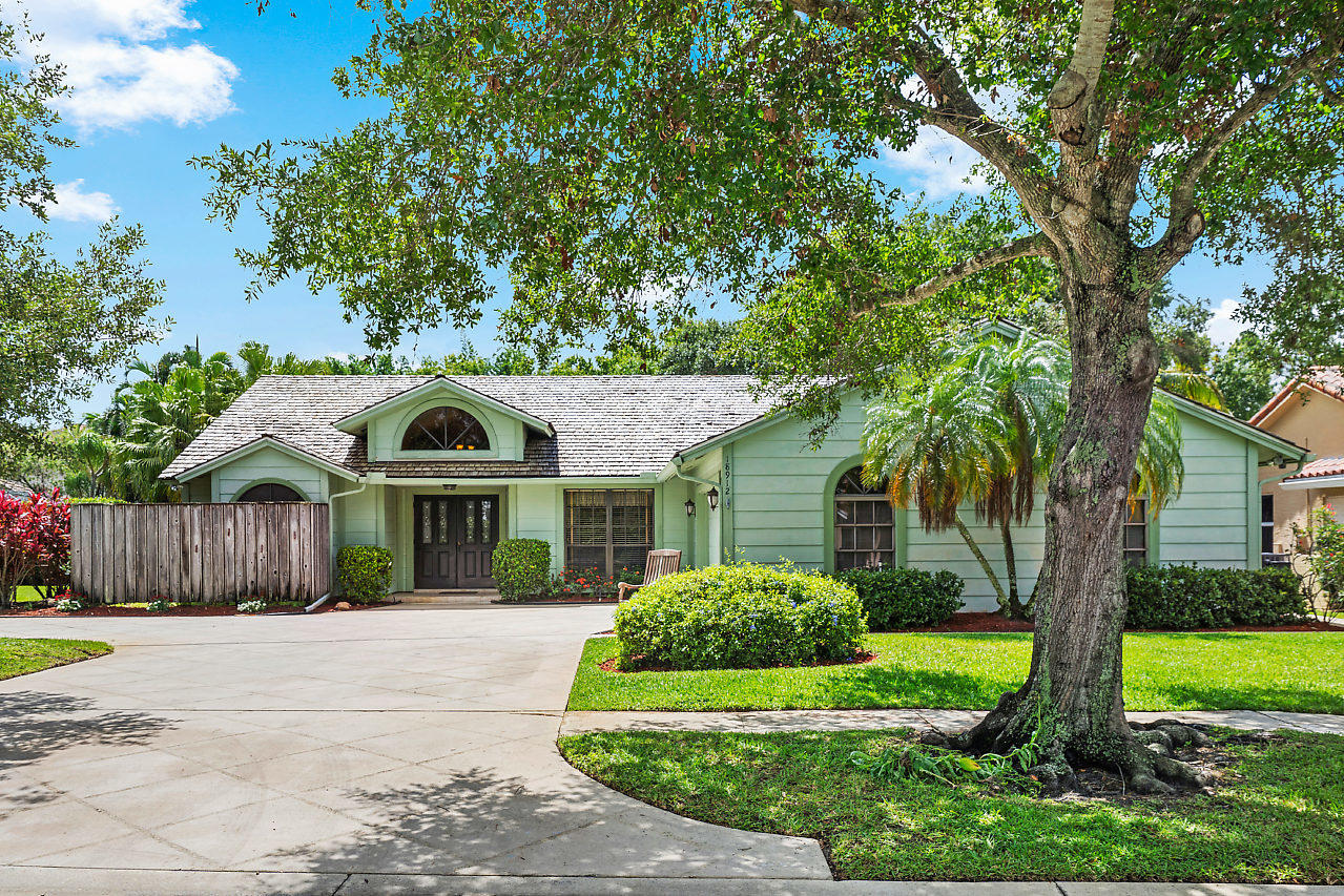 Home for sale in Shores Of Jupiter Jupiter Florida