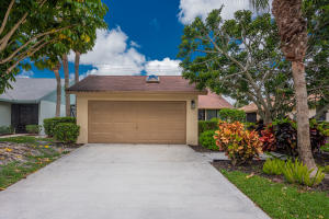 700 NW 32nd Avenue  For Sale 10623643, FL