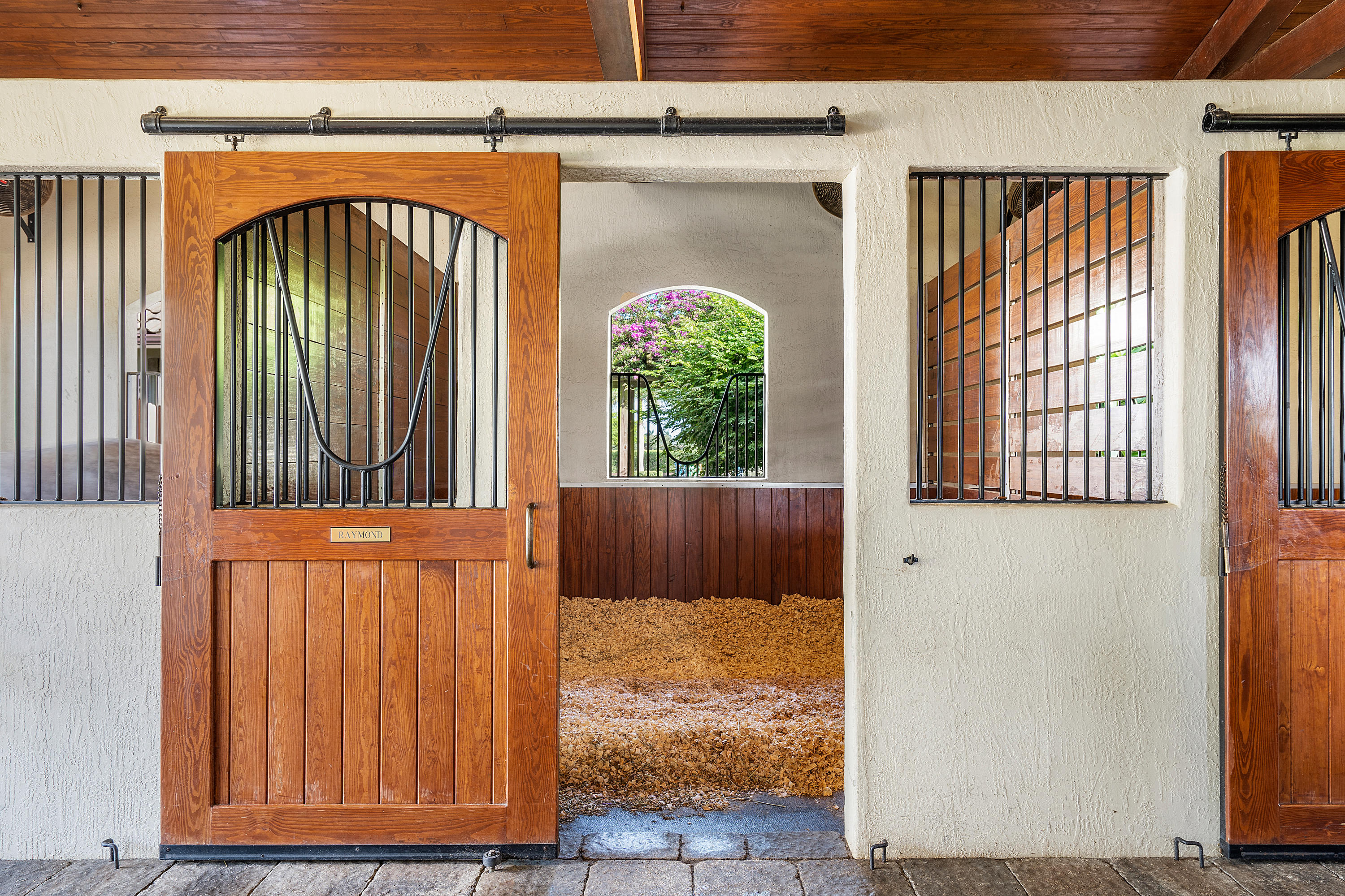 12 x 12 Matted Stalls w/Fans