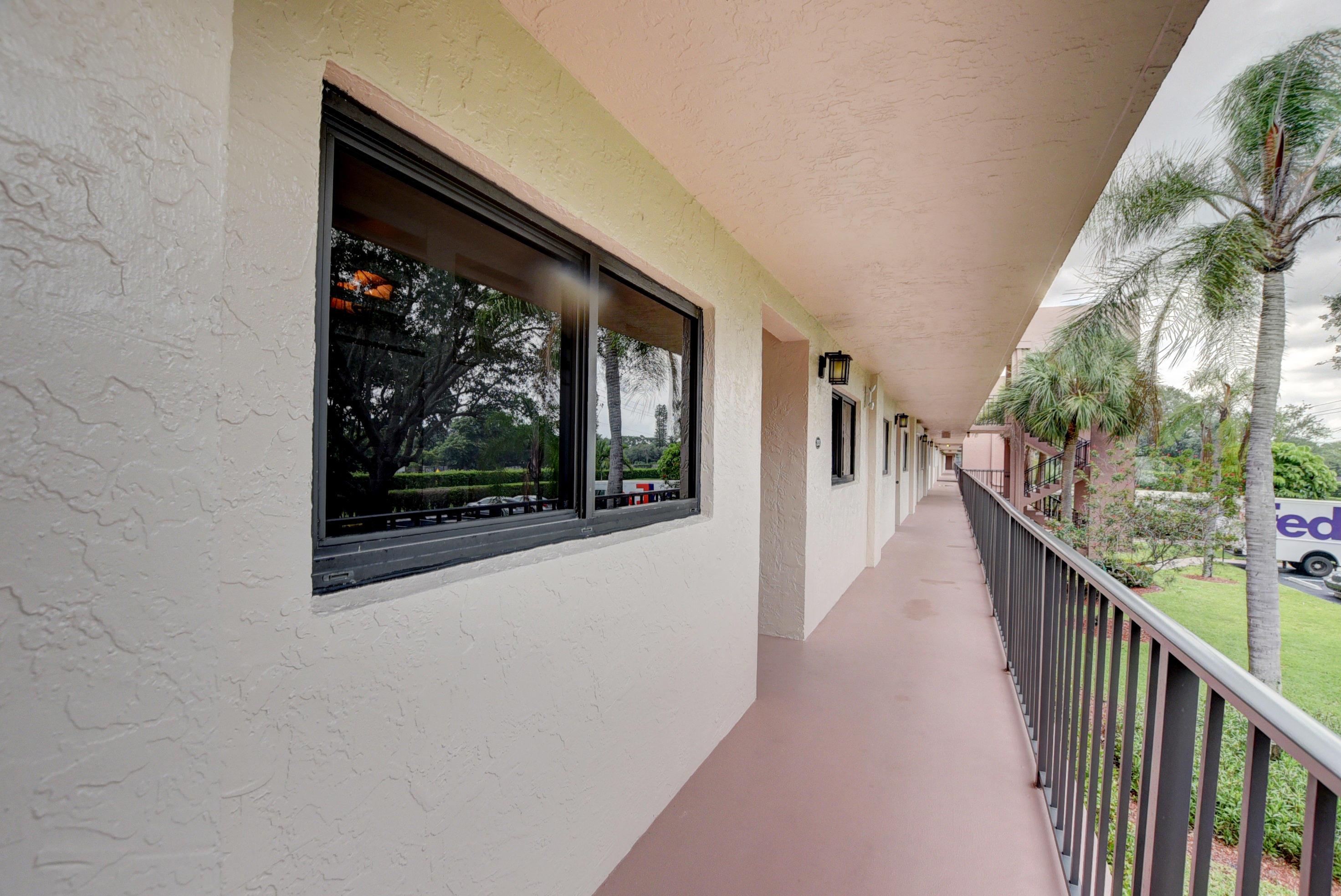 15461 Pembridge Drive 203  Delray Beach, FL 33484