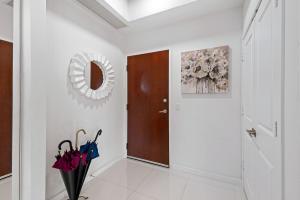 300 S Australian Avenue 918 For Sale 10624066, FL