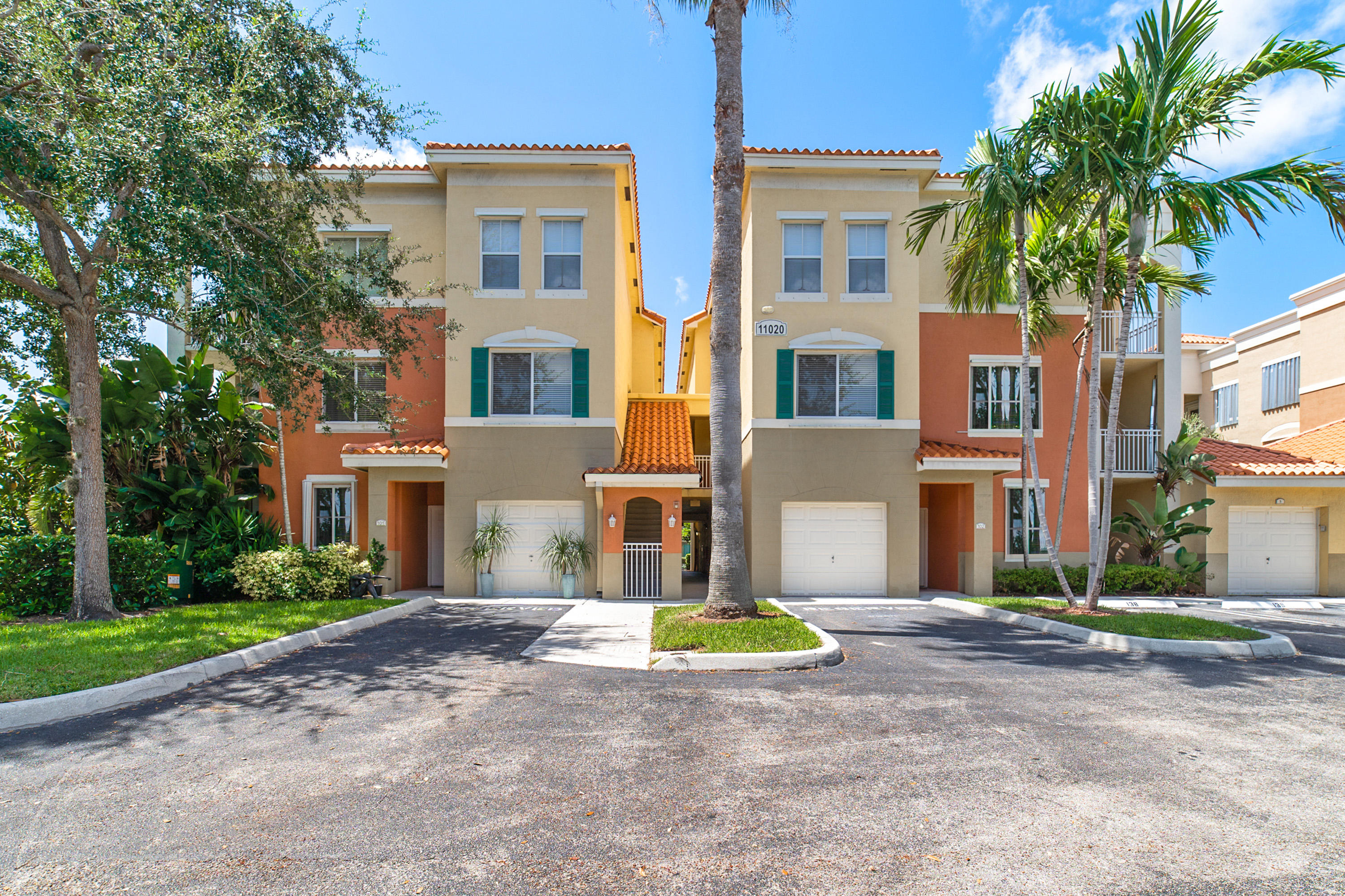 Home for sale in RESIDENCES AT LEGACY PLACE CONDO Palm Beach Gardens Florida