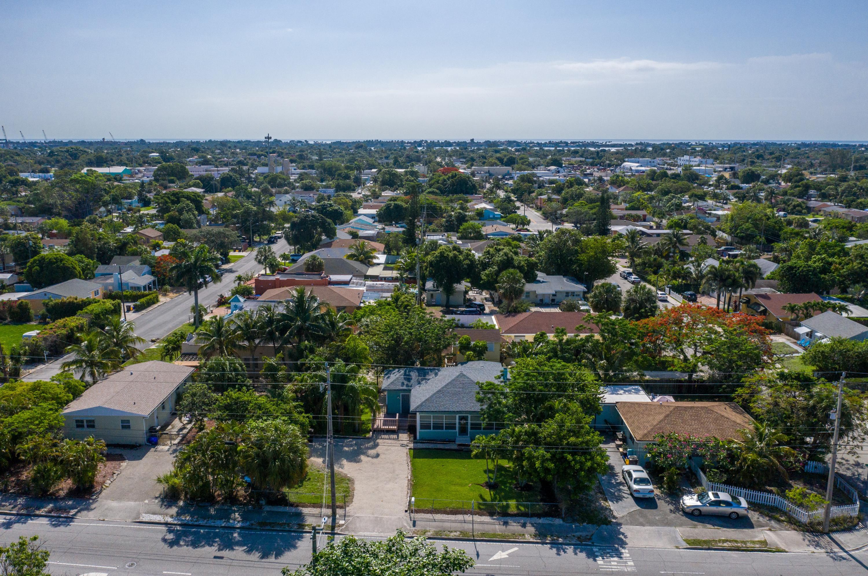 5210 Parker Avenue West Palm Beach, FL 33405 photo 2