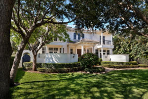 1042  Seaspray Avenue  For Sale 10624197, FL