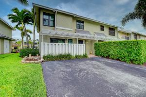 718 NE 12th Terrace 8 For Sale 10622324, FL