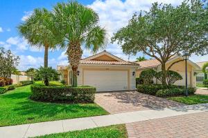 8210  Saint Johns Court  For Sale 10624641, FL