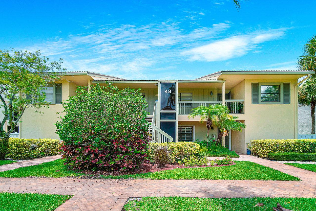 49 Eastgate Drive B Boynton Beach, FL 33436 photo 3