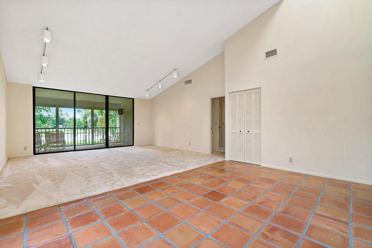 49 Eastgate Drive B Boynton Beach, FL 33436 photo 6