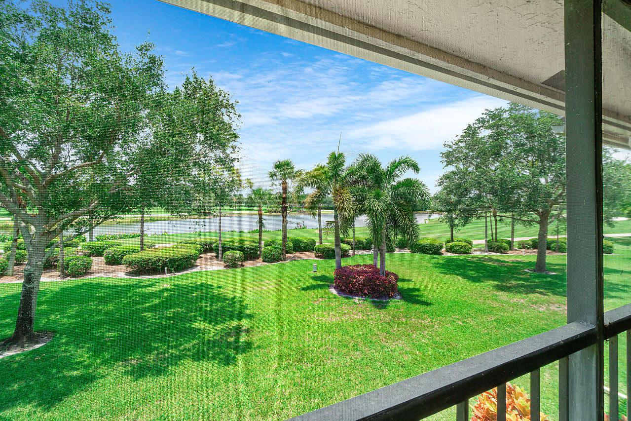 49 Eastgate Drive B Boynton Beach, FL 33436 photo 25
