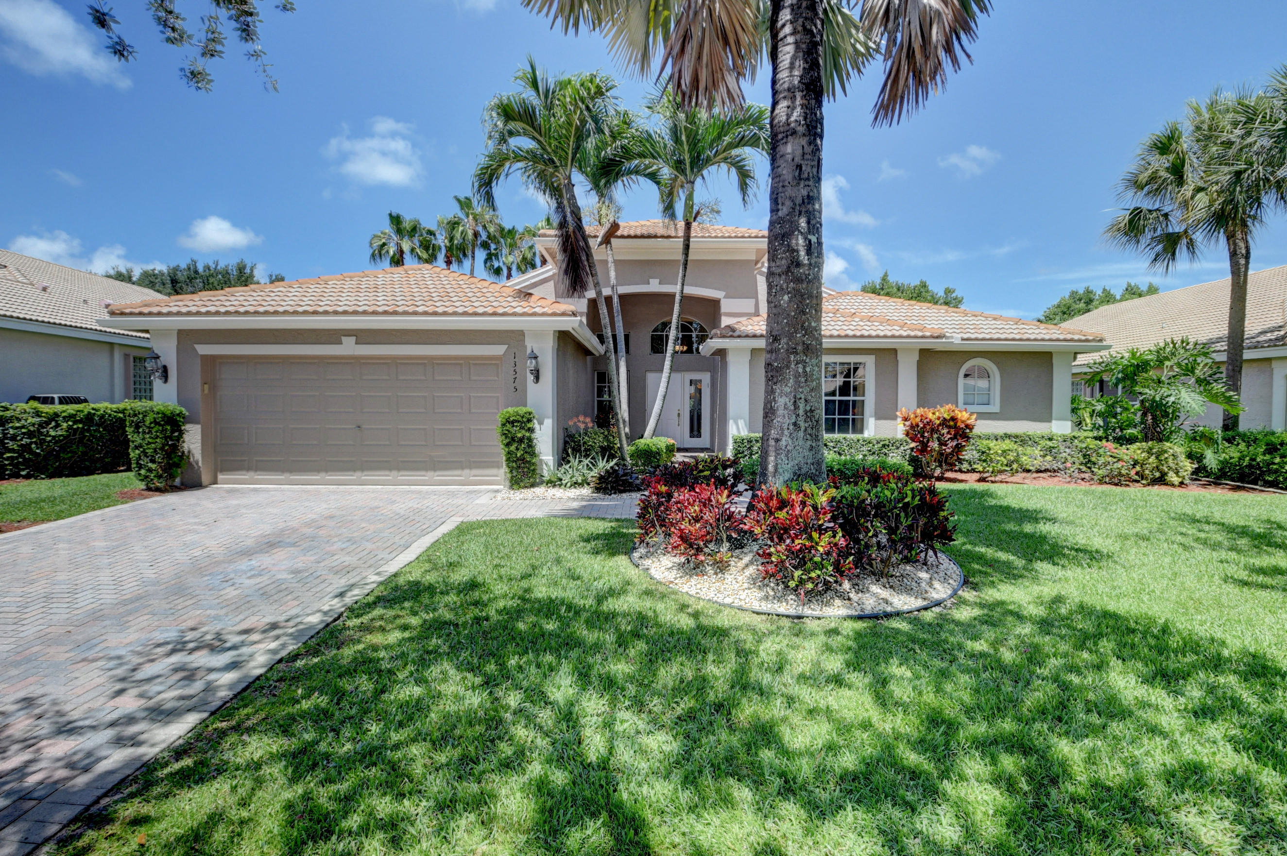 13575 Barcelona Lake Circle  Delray Beach, FL 33446