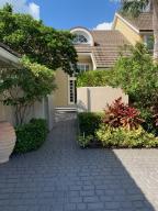 2619  Muirfield Court  For Sale 10625291, FL