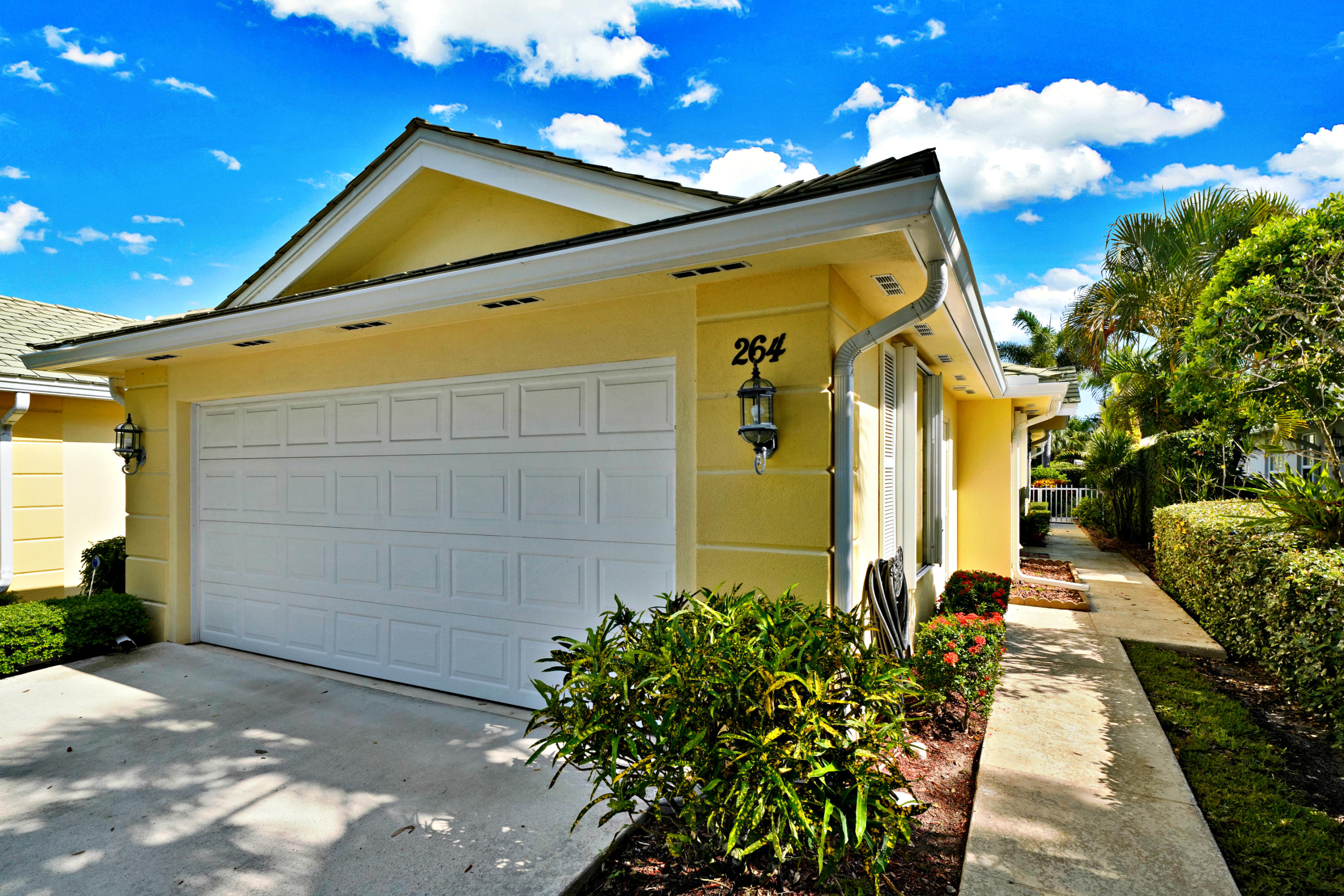 Home for sale in greenbrier at indian creek Jupiter Florida