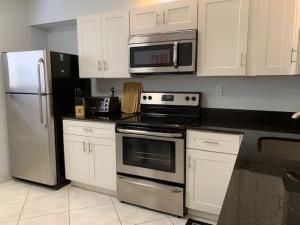 15450  Pembridge Avenue 194 For Sale 10625379, FL