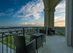 550  Okeechobee Boulevard Uph-01 For Sale 10625032, FL