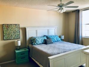 630 S Sapodilla Avenue 529 For Sale 10625299, FL