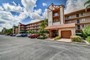 7281  Amberly Lane #301 For Sale 10625391, FL