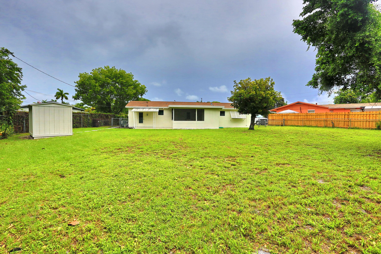 1048 Park Circle West Palm Beach, FL 33405 photo 25