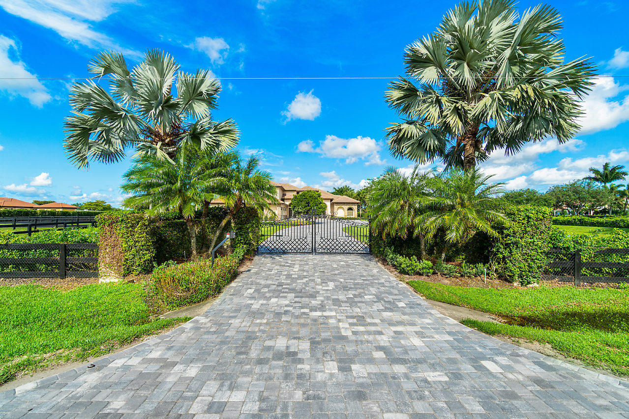 4600 Garden Point Trail  Wellington FL 33414