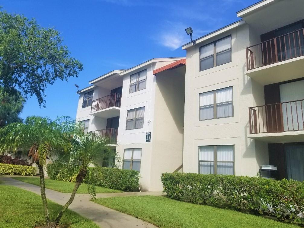 Home for sale in clear lake club condo West Palm Beach Florida