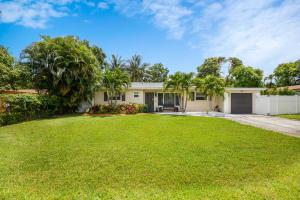 562  Davis Road  For Sale 10623244, FL