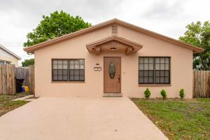 829  30th Court  For Sale 10625896, FL