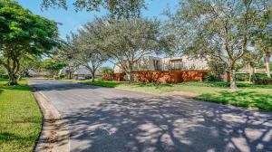 1700  Embassy Drive 108 For Sale 10625995, FL