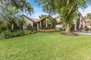 3020  Canterbury Drive  For Sale 10624527, FL
