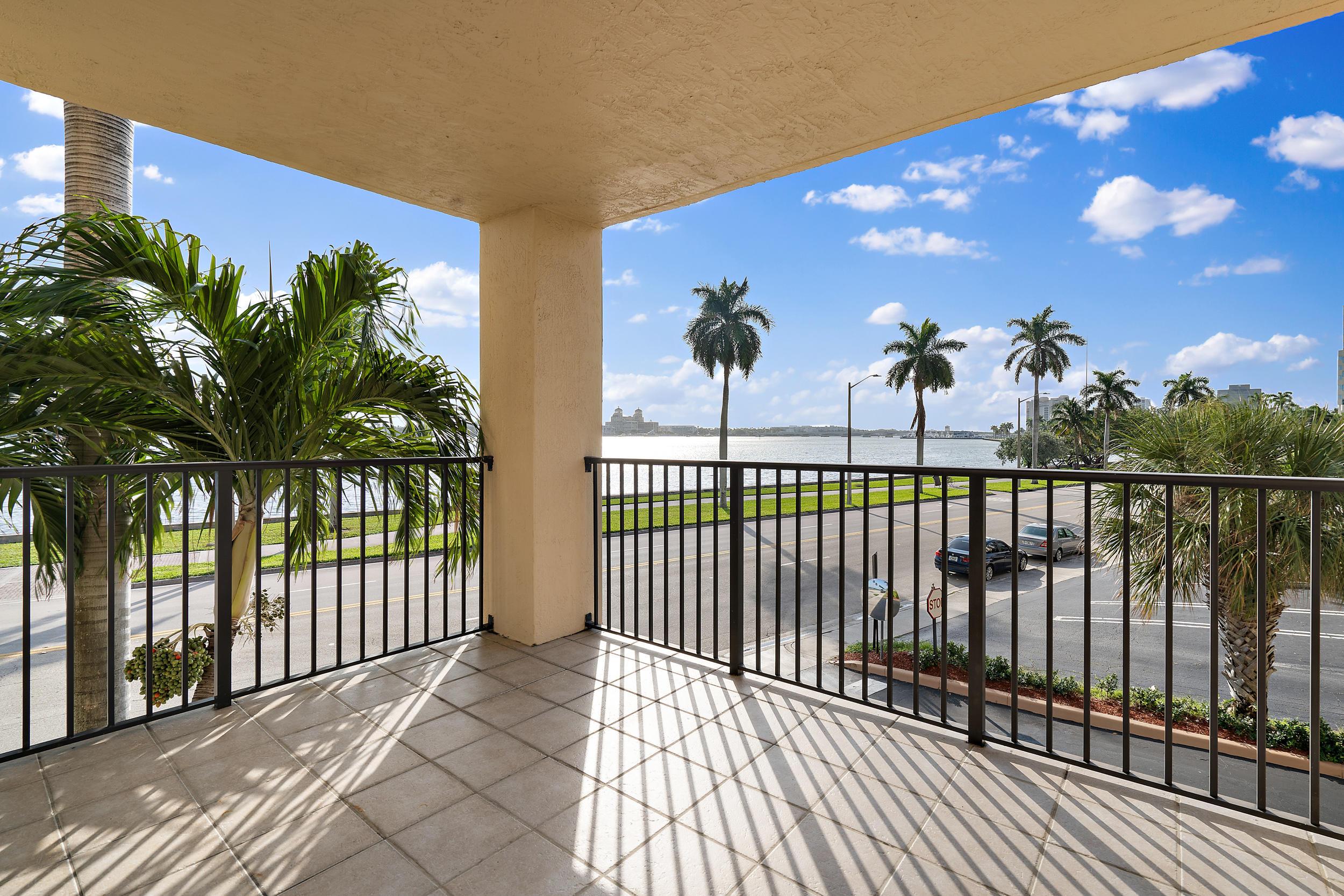 1801 N Flagler Drive 202  West Palm Beach, FL 33407