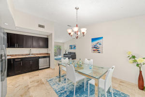 13  Knightsbridge Lane  For Sale 10621047, FL