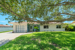 2420 NE 2nd Avenue  For Sale 10626380, FL