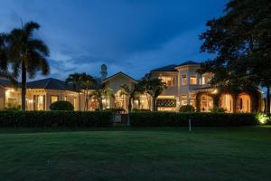 16694 Sweet Bay Drive  Delray Beach, FL 33445