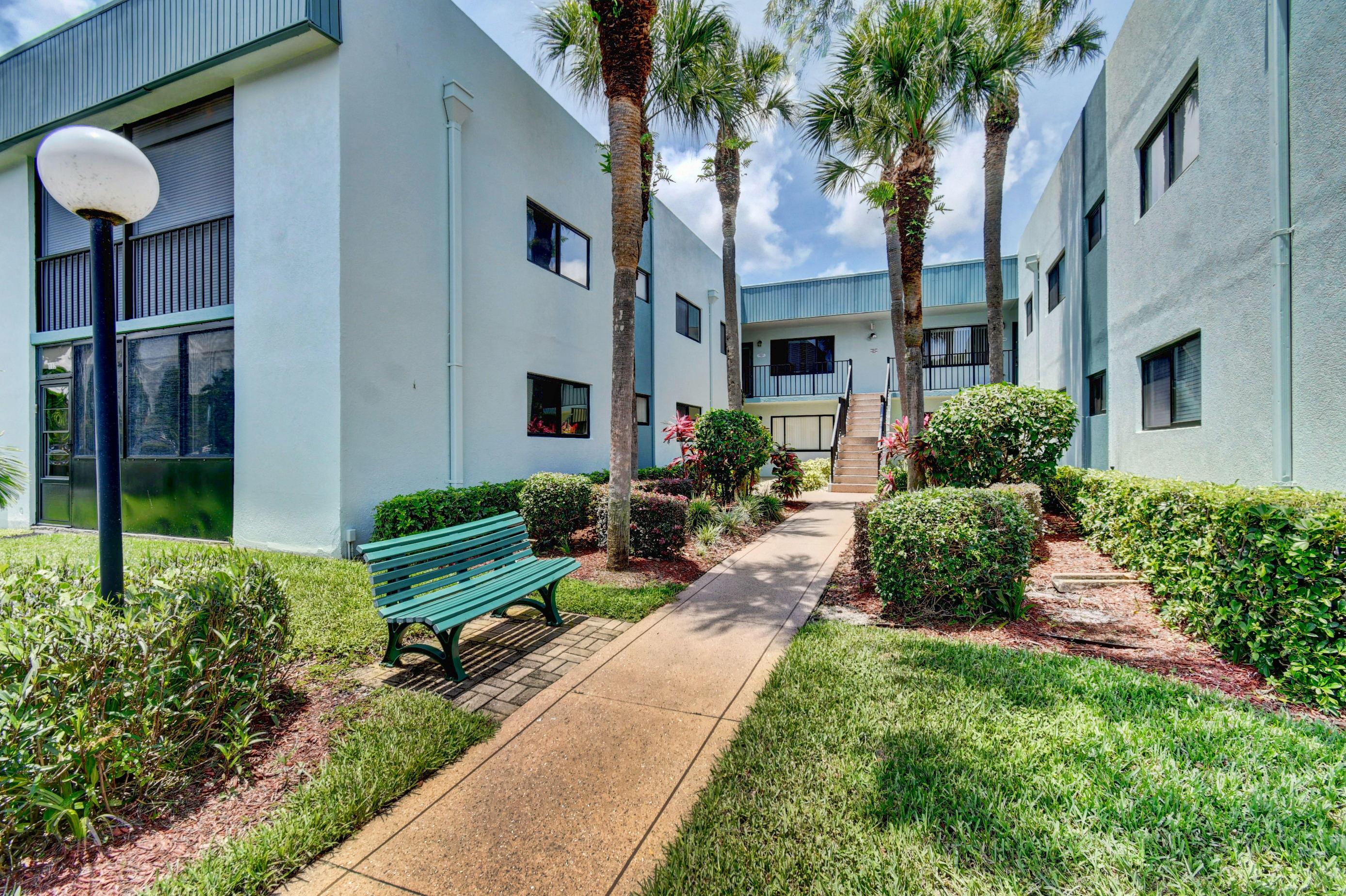15072 Ashland Place 137  Delray Beach, FL 33484