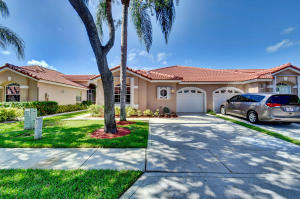 8236  Via Bella   For Sale 10626418, FL